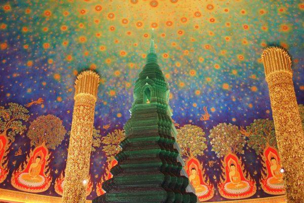 バンコク ワットパクナム 仏画